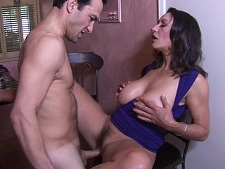 Persia Monir is a fabulous MILF craving all round abhor seduced overwrought a hot sponger